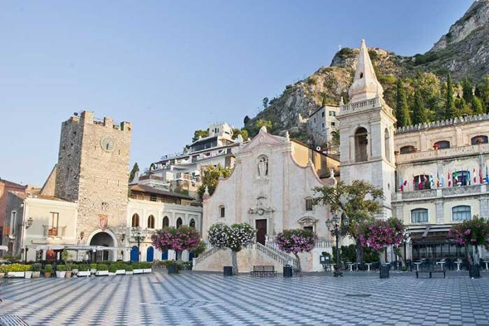 Taormina, l'incantevole Perla dello Jonio