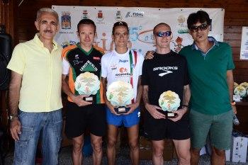 I primi tre classificati Cenedese Franzese e Guidetti in mezzo agli organizzatori Costantino Crisafulli e Francesco Cutè