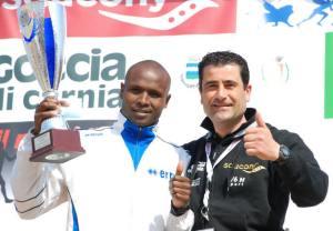 Michele Stellon con il vincitore della maratonina 2015