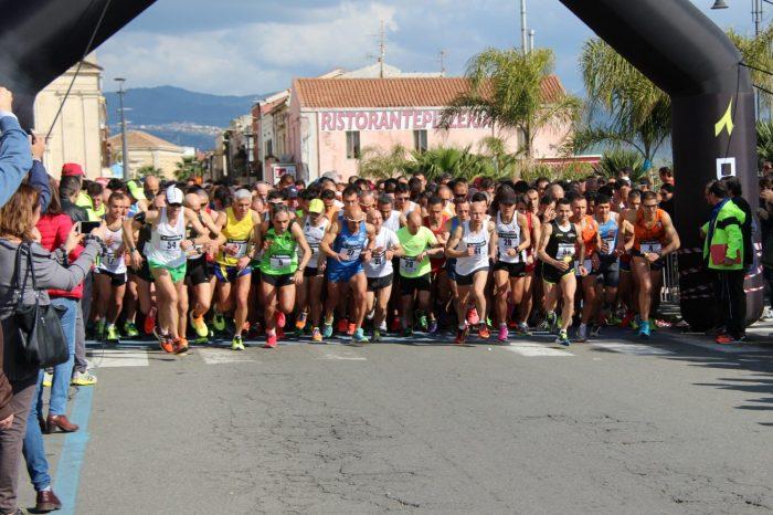 """Quasi in 900 al via della """"7^ Maratonina Blu Jonio"""""""