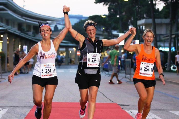 """""""Lignano Sunset Run Half Marathon"""", uno spettacolo di corsa"""