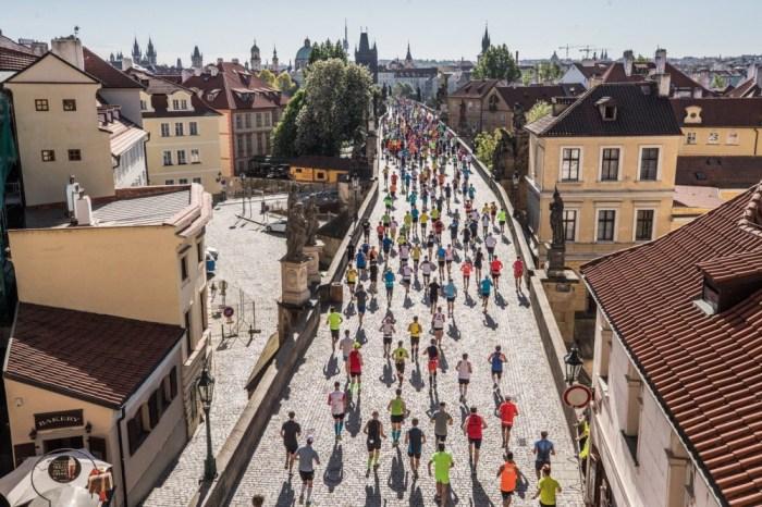 "Catherine Bertone tra i 400 italiani al via della ""Prague Marathon"""