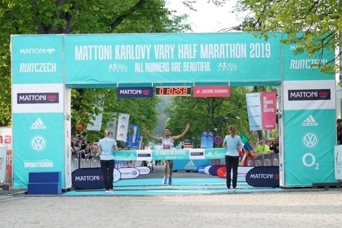 "Vittoria con record per Rachik alla ""Mattoni Karlovy Vary Half Marathon"""