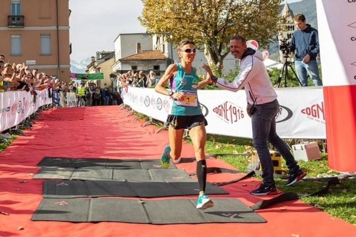 """Catherine Bertone a 47 anni 1h12'39"""" alla mezza di Aosta"""