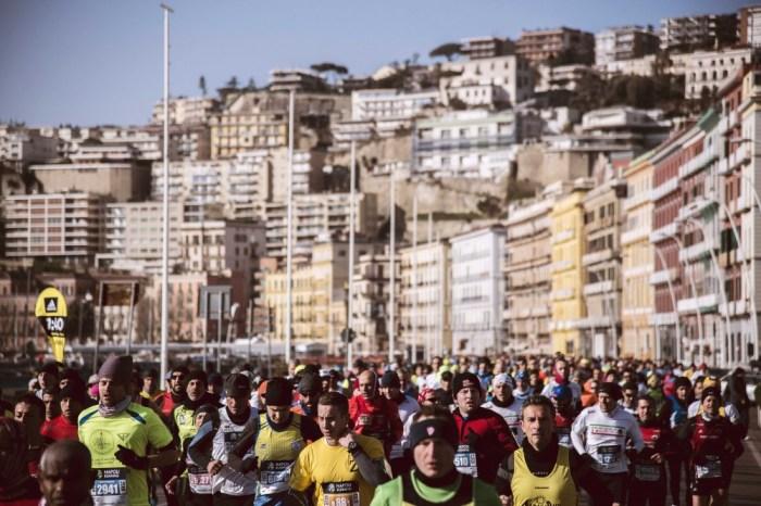 """Coronavirus, """"Napoli City Half Marathon"""" si corre regolarmente"""
