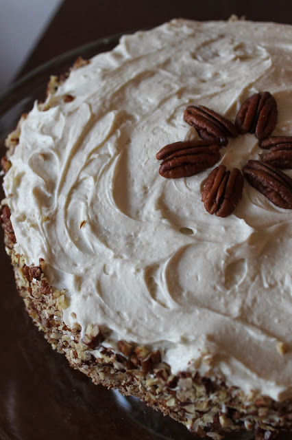 Hummingbird Cake with Cream Cheese and Pecan Frosting (for the health nuts & the diabetic pregnant ladies)
