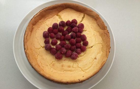 white chocolate and raspberry baked cheesecake