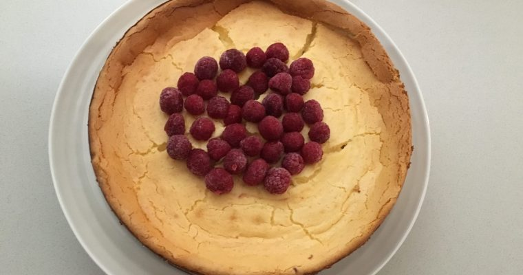 white chocolate and raspberry baked cheesecake