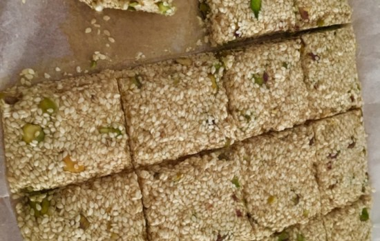 pasteli – Ancient Greek honey sesame bars