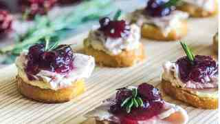 Thanksgiving Crostini Appetizer