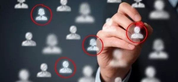 graphique des objectifs de la création de site internet : objectif du projet, public cible, mots clés importants, concurrents