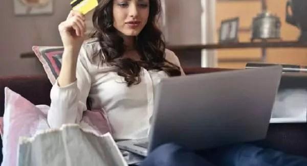 Les clients achètent en ligne