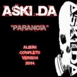 Aski Da escucha la versión del 2014 de su disco Paranoia