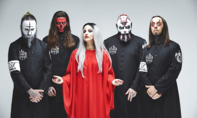 Lacuna Coil,來自'The 119 Show  - 在倫敦生活'的'The House of Shame'的視頻