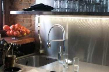 Ανοξείδωτη κουζίνα καφετέριας, παγκάκια SESSIONS CAFE 2