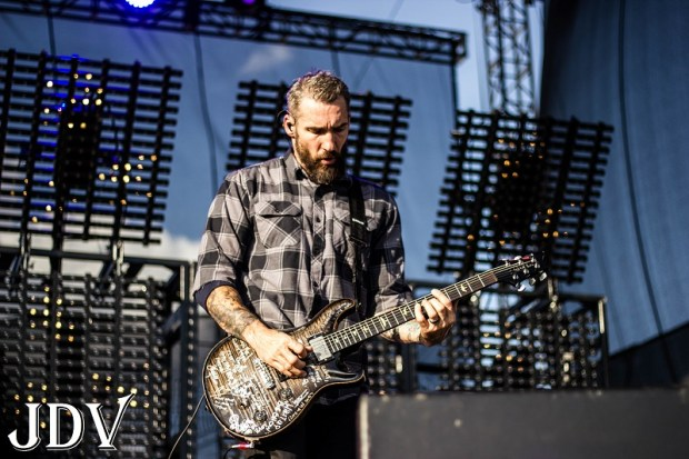 Seether 16