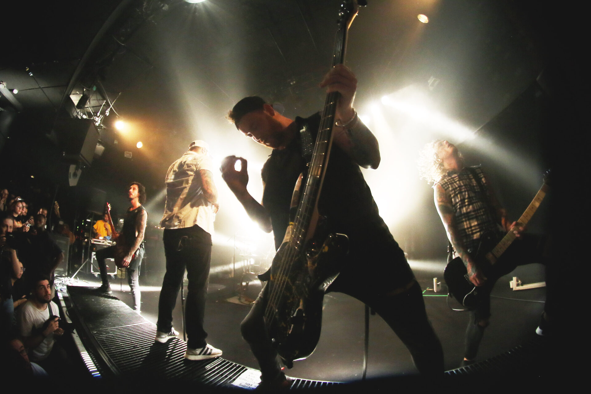You are currently viewing ASKING ALEXANDRIA <br/> met le feu aux poudres !