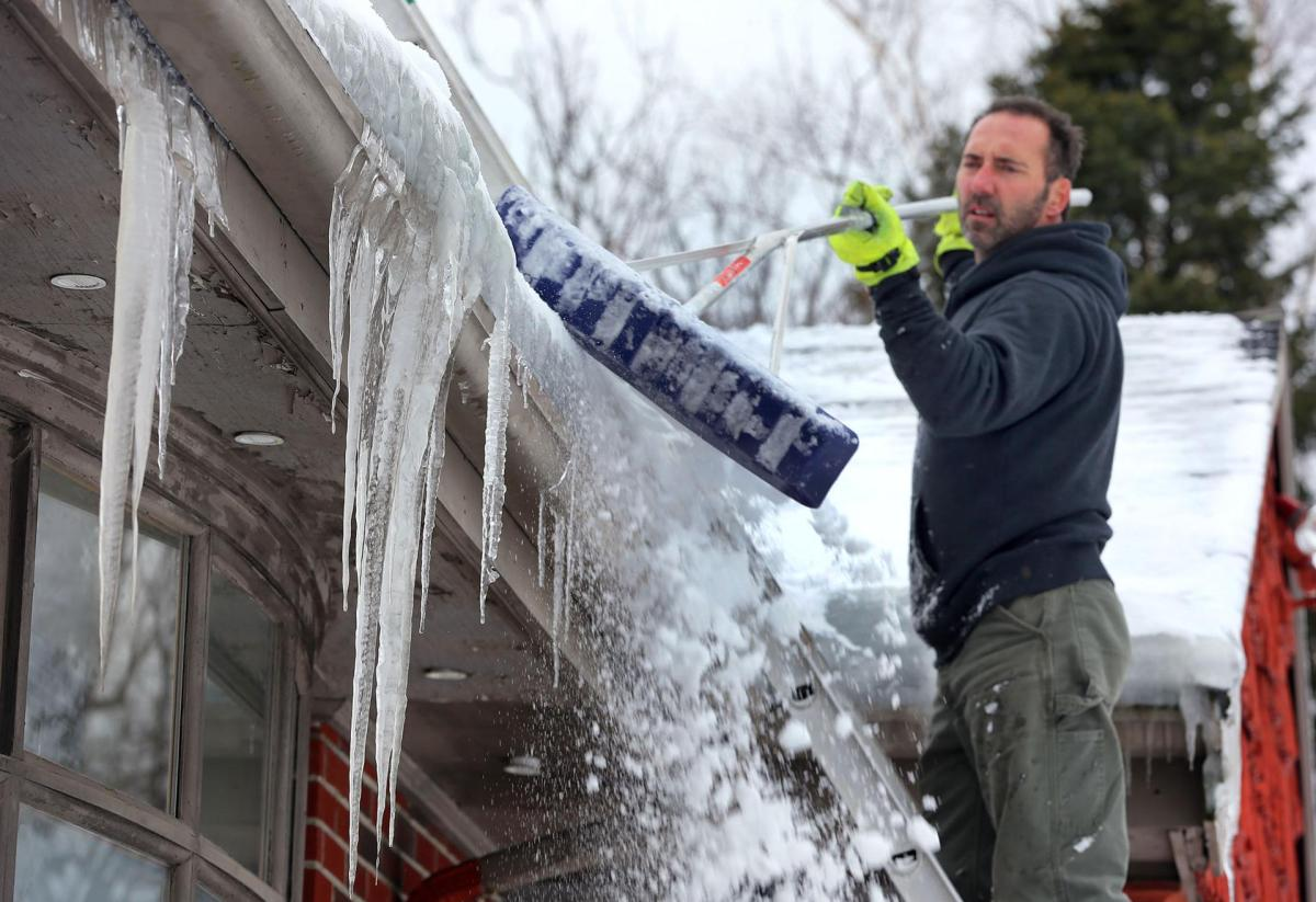 How to Prevent Ice Dams on the Roof