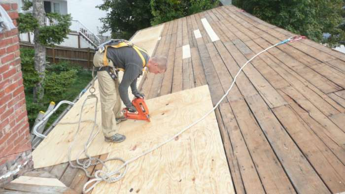 How to install a metal shingles roof diy guide for Roof sheathing material options