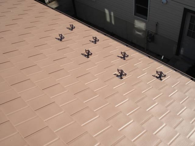 snow-guards-on-metal-roof
