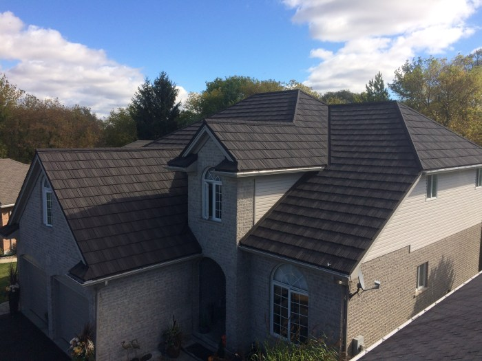 Steel shake roofing installed by Metal Roof Outlet in St Thomas