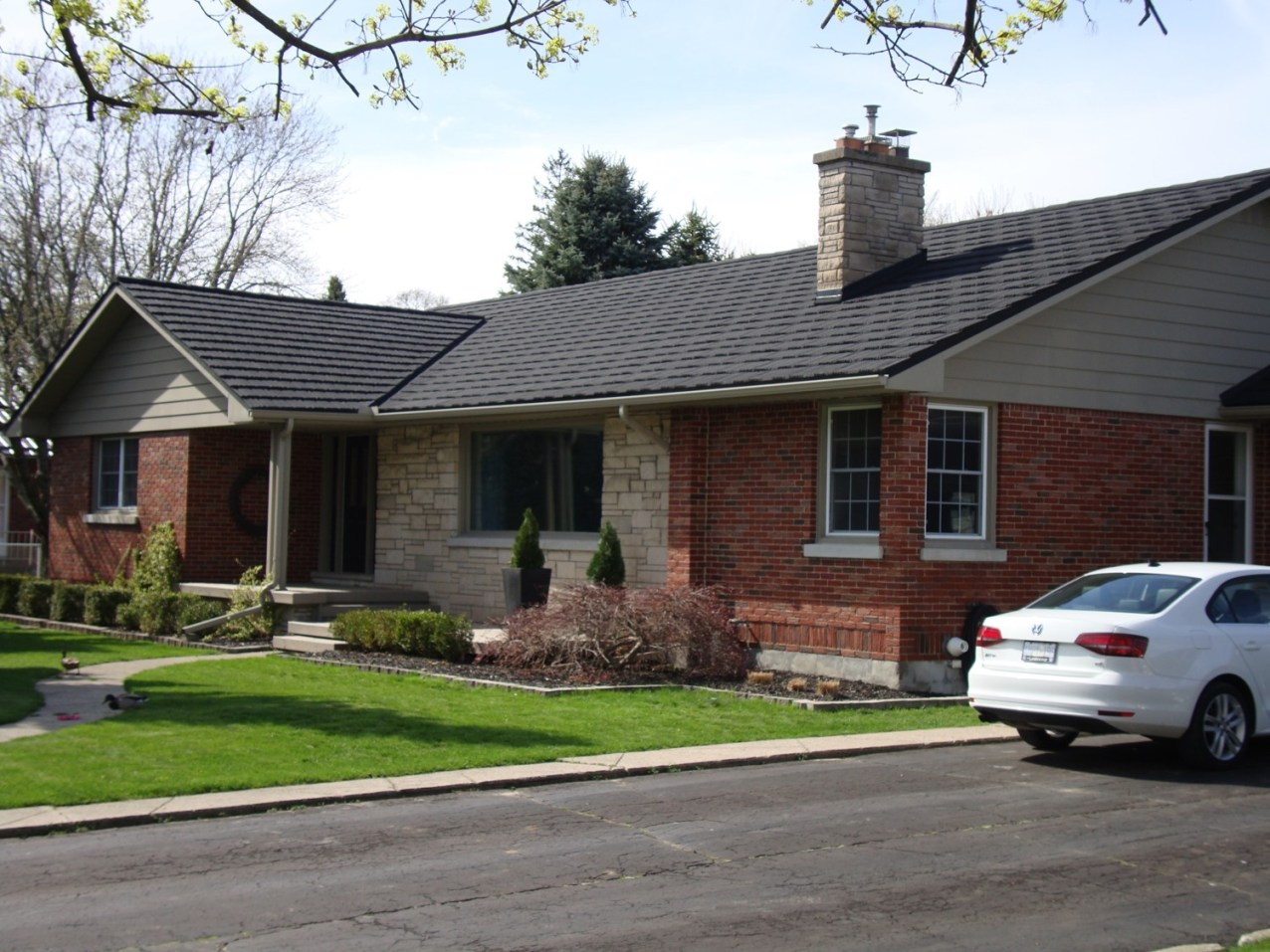 Aylmer Ontario home with installed metal roofing from Metal Roof Outlet