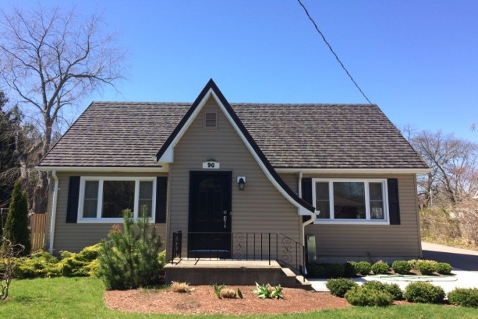 Metal roofing in a Charcoal colour installed on an Aylmer home