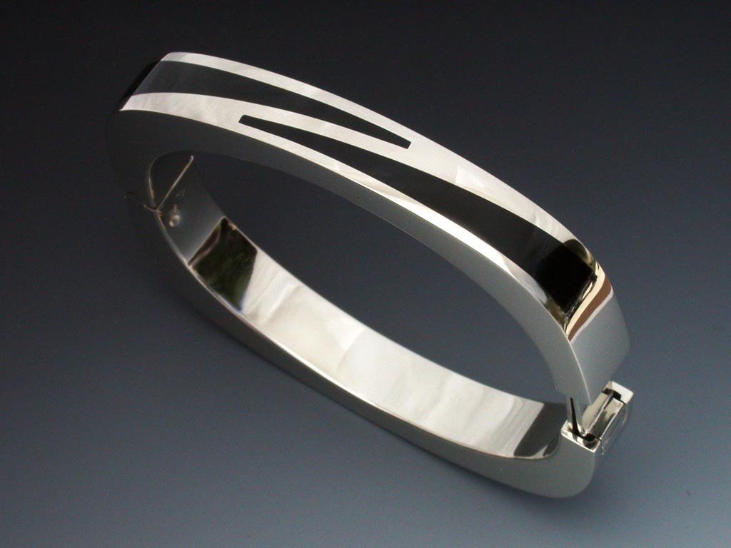 14k White Gold Amp Black Jade Bracelet Metamorphosis