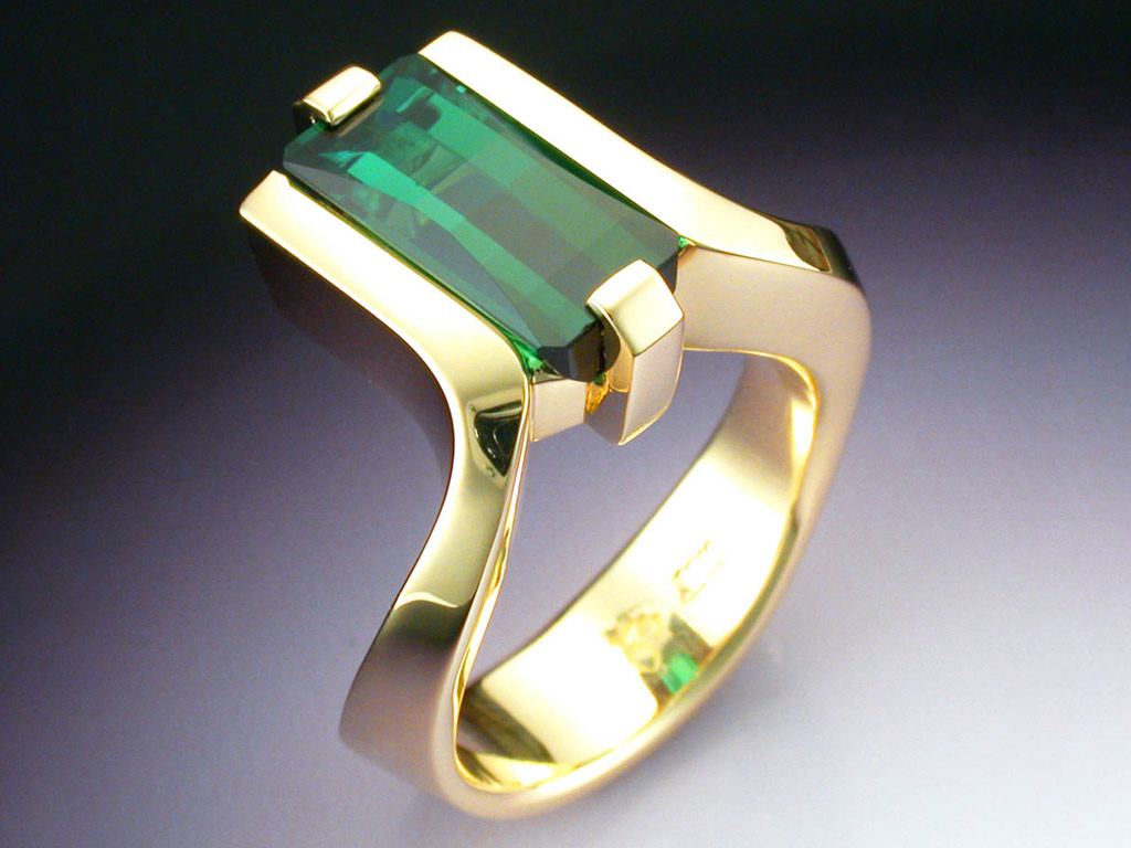 18k Gold Ring With Green Tourmaline Metamorphosis