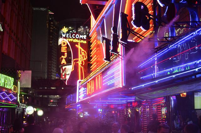 Bangkok Sukhumvit Red Light District by vinylmeister, via Flickr – CC BY-NC 2.0