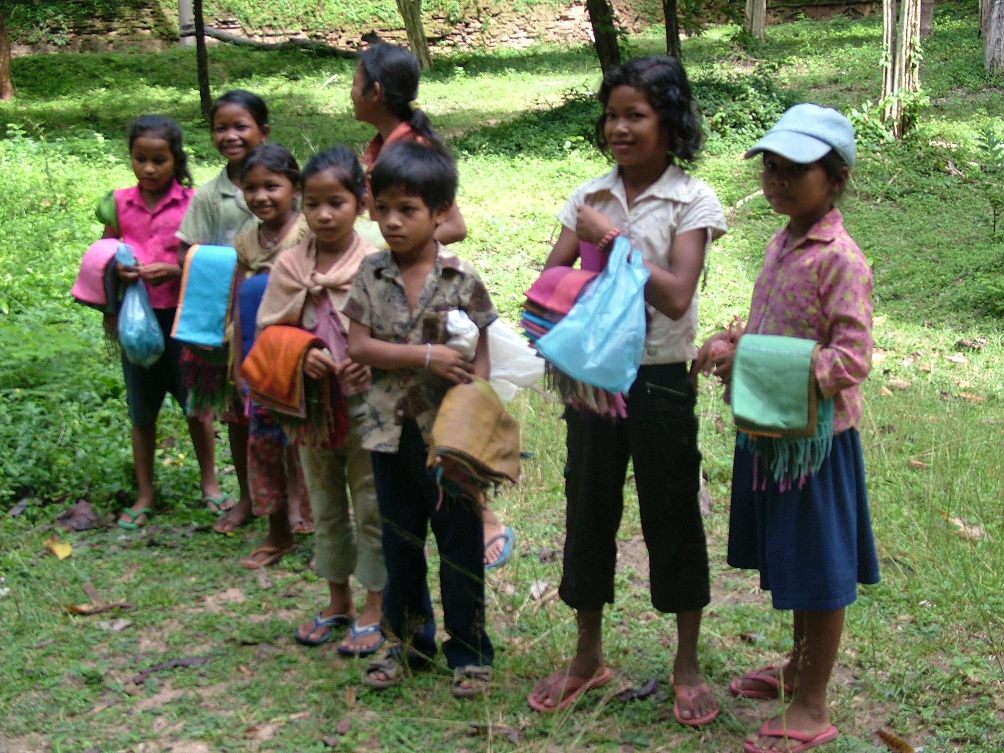 ילדים רוכלים בקמבודיה