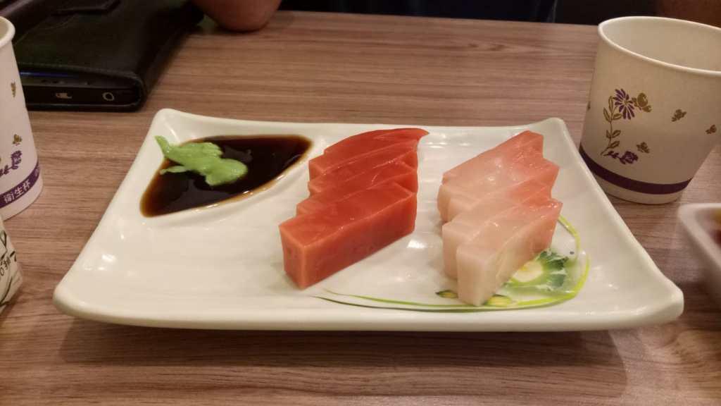 מנת דגים צמחונית במסעדה בטאיפיי