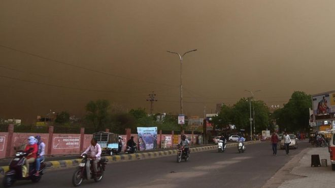 DUST STORM: Meteo Agency warns of rise in sore throat, cough and sneezing in the north.