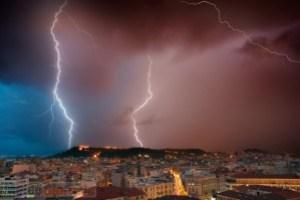 immagine news meteo-cagliari-burrascoso-con-rischio-ondate-di-maltempo