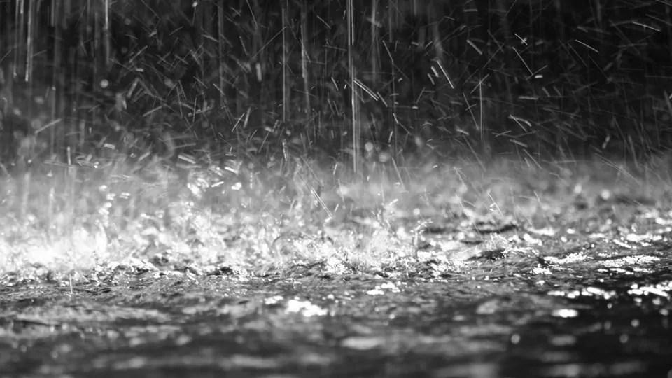 https://i1.wp.com/www.meteoweb.eu/wp-content/uploads/2014/06/pioggia-intensa.jpg