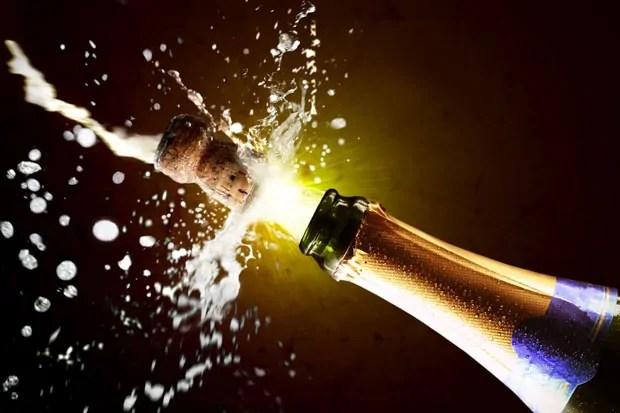 Risultati immagini per brindisi con champagne