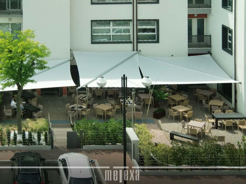 A vela tenda da sole ombra per esterni copertura per piante da giardino riparo ombra. Tende Da Sole A Vela Triangolari E Rettangolari Per Giardini E Dehors