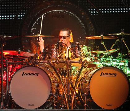 Alex Van Halen live
