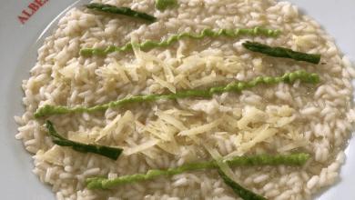 Photo of Risotto mantecato con punte di asparagi, mela verde in agro dolce e pecorino