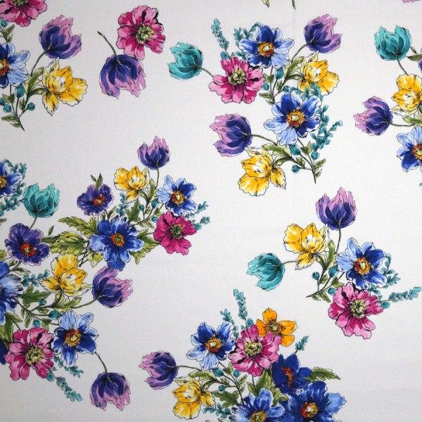 Tessuto cotone stretch disegno floreale su fondo bianco