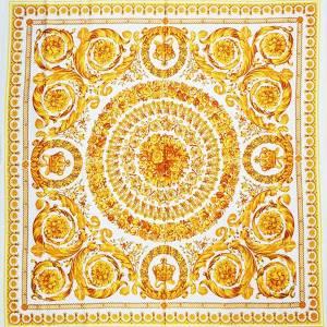 Raso di seta stretch – barocco oro su fondo bianco – pannello 130x130cm