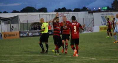 Vitória se classifica na Copa do Brasil após vencer o Luziânia por 2 a 0
