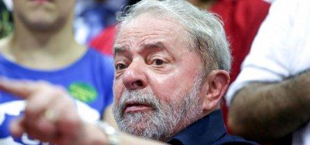 [Lula é pressionado a aceitar prisão domiciliar]