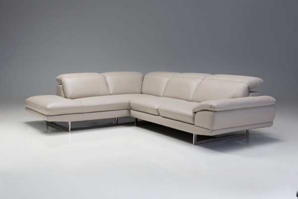 Camelo Right Side Facing Silver Colored Leather with Black Powder Coated Legs