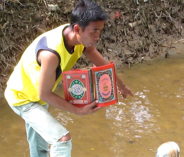 Penemu Alquran di sungai