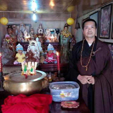 Paranormal ternama di Pontianak, Suhu Aleng.
