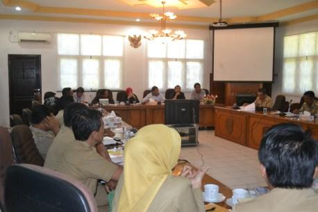 Rapat Dengar Pendapat Komisi II bersama Pertamina dan Disperindagkop soal kacaunya distribusi gas LPG 3 kilogram di masyarakat.