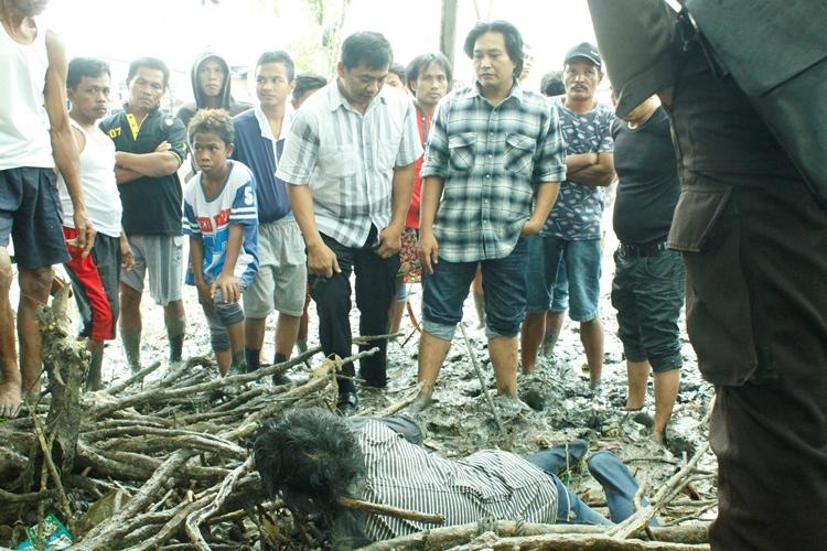 Erwin ditemukan dalam kondisi tak bernyawa tersangkut akar pohon bakau di RT 16, Kelurahan Karang Rejo.