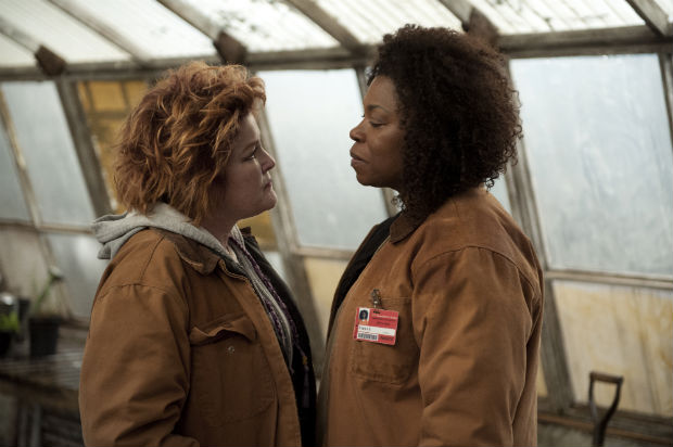 Kate Mulgrew as Red and Lorraine Toussaint as Vee - Credit: JoJo Whilden for Netflix