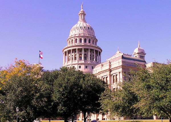 Texas State Capitol in Austin, Texas (Credit: Daniel Mayer, via Wikimedia Commons.)